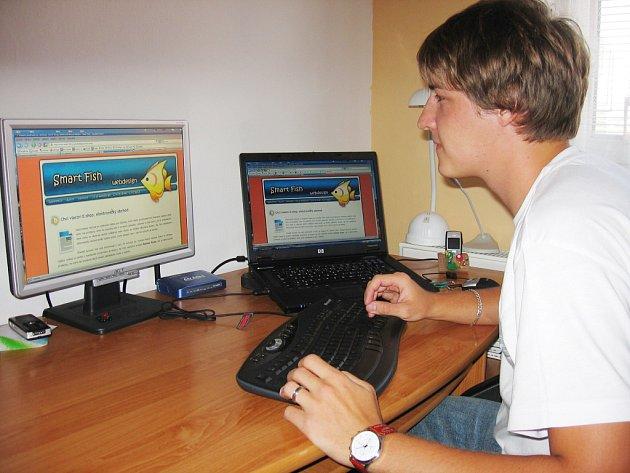 Jednadvacetiletý Václav Kusák už pracuje také na zahraničních projektech.