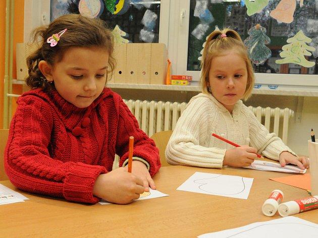 Pro budoucí předškoláky připravili dílničky na základní škole Za Alejí v Uh. Hradišti
