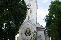Kostel sv. Jakuba staršího v Ostrožské Lhotě.