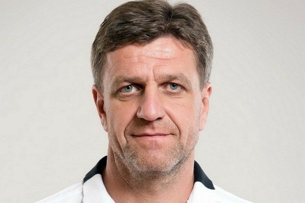Známý trenér Josef Mucha se coby asistent po dvou letech vrací do nejvyšší fotbalové soutěže.
