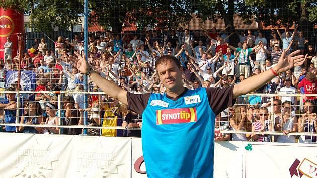 Fotbalová benefice ve Starém Městě. Petr Švancara se loučí s fanoušky Slovácka.