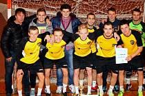 Finálovým dnes vyvrcholil v sobotu 17. 1. letošní ročník Futsalové ligy Uherskohradišťska. Na snímku: vítezný tým AVE Bar Bar.