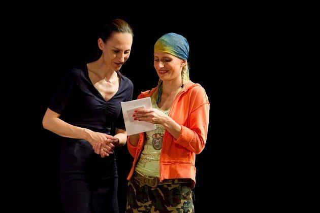 Barbora Vacková (vpravo).
