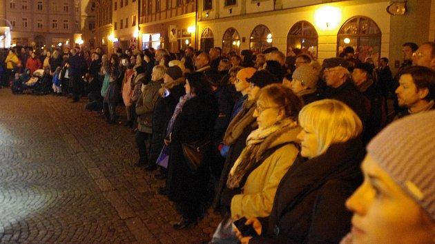 Připomínka výročí 17. listopadu na náměstí v Uherském Hradišti