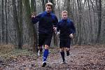 Fotbalisté 1. FC Slovácko zahájili přípravu na jarní část Gambrinus ligy. Na úvod je čekal výběh v Kunovském lese. Zleva Jan Lukáš a Tomáš Jeleček.