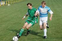 Fotbalisté Koryčan (v tmavém) potvrdili v Šumicích výbornou formu a i ve čtvrtém utkání v nové sezoně zvítězili.