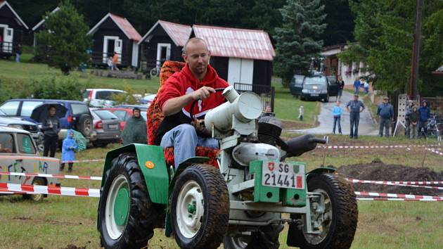 U Osvětiman si zazávodili majitelé třinácti samohybů.