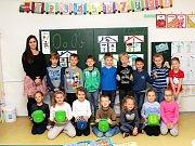 Na fotografii jsou žáci ze ZŠ Husova v Náměšti nad Oslavou, třída 1. B paní učitelky Lenky Nejedlé