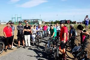 V Polešovicích otevřeli v pátek novou cyklostezku o délce 1,4 kilometru.