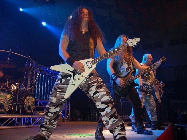 Heavy metalové legenda zahrála v neděli 13. listopadu v Hluku.