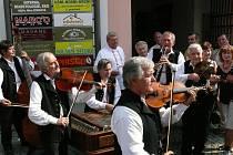 Muzika hrála na letošních Slováckých slavnostech vína.