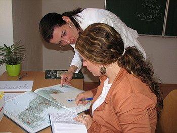 Studentky velehradského gymnazia u maturity. Ilustrační foto.
