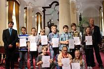 V sloupové síni Muzea Jana Ámose Komenského oceňoval nejlepší žáky v soutěži Poznej svoje město také starosta Patrik Kunčar.