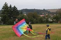 Na kopci mezi Modrou a Velehradem  se v neděli uskutečnil 23. ročník drakiády, kterou pořádalo Skautské středisko Modrá.