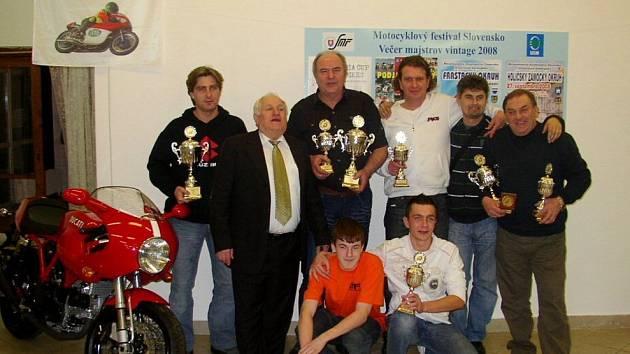 Závodníci Motosport klubu Uherské Hradiště.