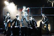 Tahákem repertoáru divadla je také muzikál Donaha!