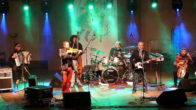 Sobotní program vyvrcholil koncertem populární skupiny Čechomor.