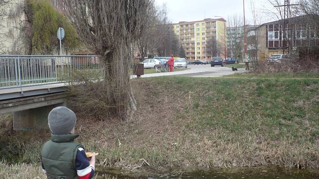 Nenápadná říčka u hradišťského sídliště Štěpnice působí tamním obyvatelům velké problémy
