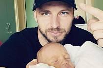 Zkušený stoper Slovácka a bývalý reprezentant Michal Kadlec oslavil v ligové přestávce narození prvorozeného syna