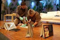 Hororová komedie Bůh masakru je k vidění na prknech Slováckého divadla v Uherském Hradišti.