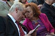 Také letos zavítala na Velehrad řada známých osobností. Prezident ČR Miloš Zeman a Livia Klausová.
