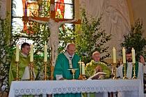 Osm set let obce Nedakonice oslavili mší svatou.