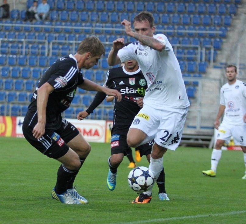 1. FC Slovácko vs. Příbram - Vpravo Milan Kerbr