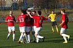 Fotbalisté Uherského Brodu (v červených dresech) v 17. kole Fortuna MSFL remizovali s Kroměříží 1:1.