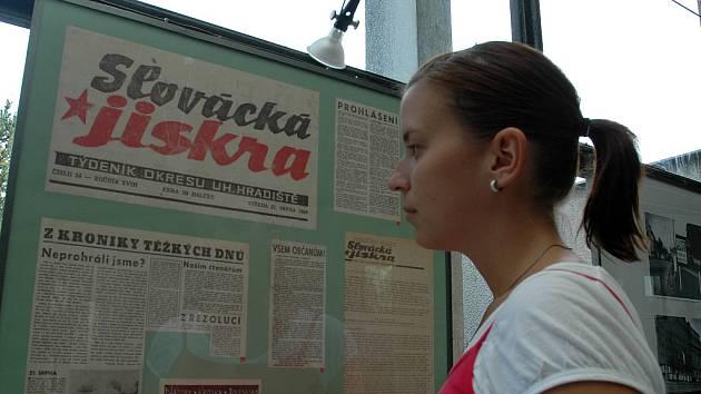 Výstava ke 40. výročí okupace vojsky Varšavské smlouvy v kině Hvězda.