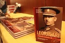 Křtu nové knihy o československých legionářích se ve čtvrtek 15. ledna v Uherském Brodě zúčastnil také náčelník generálního štábu Josef Bečvář.