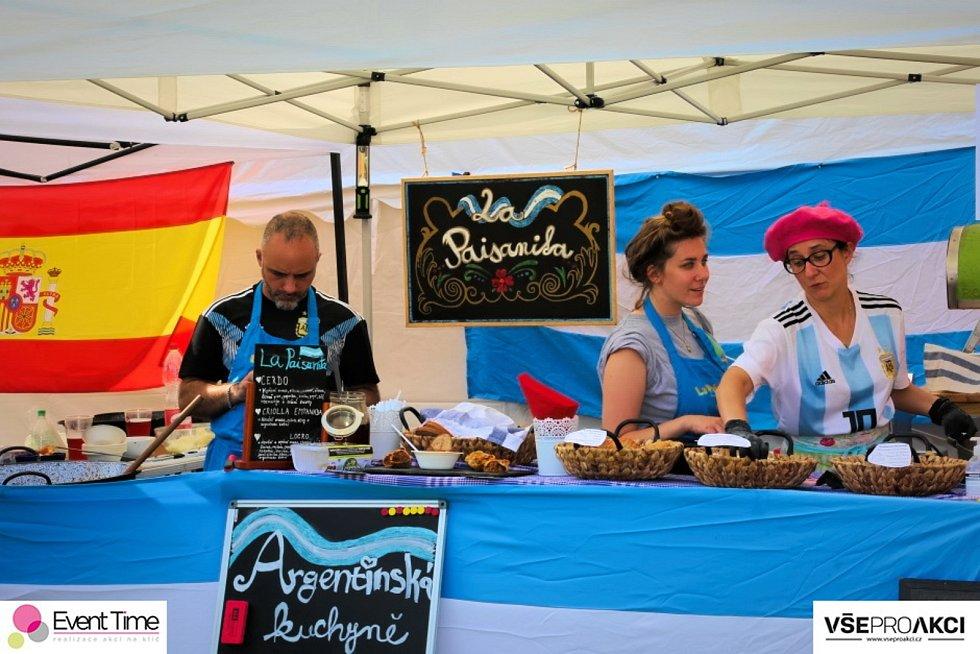 Třetí ročník Gastrofestivalu s názvem Cesta kolem světa se uskuteční v Areálu jízdy králů v Kunovicích od 12 do 19 hodin.