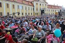 KONCERT. Večer lidí dobré vůle přilákal na Velehrad 23 tisíc návštěvníků a na charitativní projekty se vybralo 1,5 milionu korun.