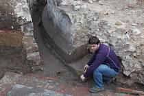 Objevena byla loni také nárožní kruhová věž o půdorysu 10 metrů, která byla považována za úplně zničenou.