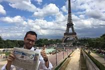 Jeden z velkých příznivců Slováckého deníku, herec a mluvčí Slováckého divadla Josef Kubáník, se letos vypravil na dovolenou do Paříže.