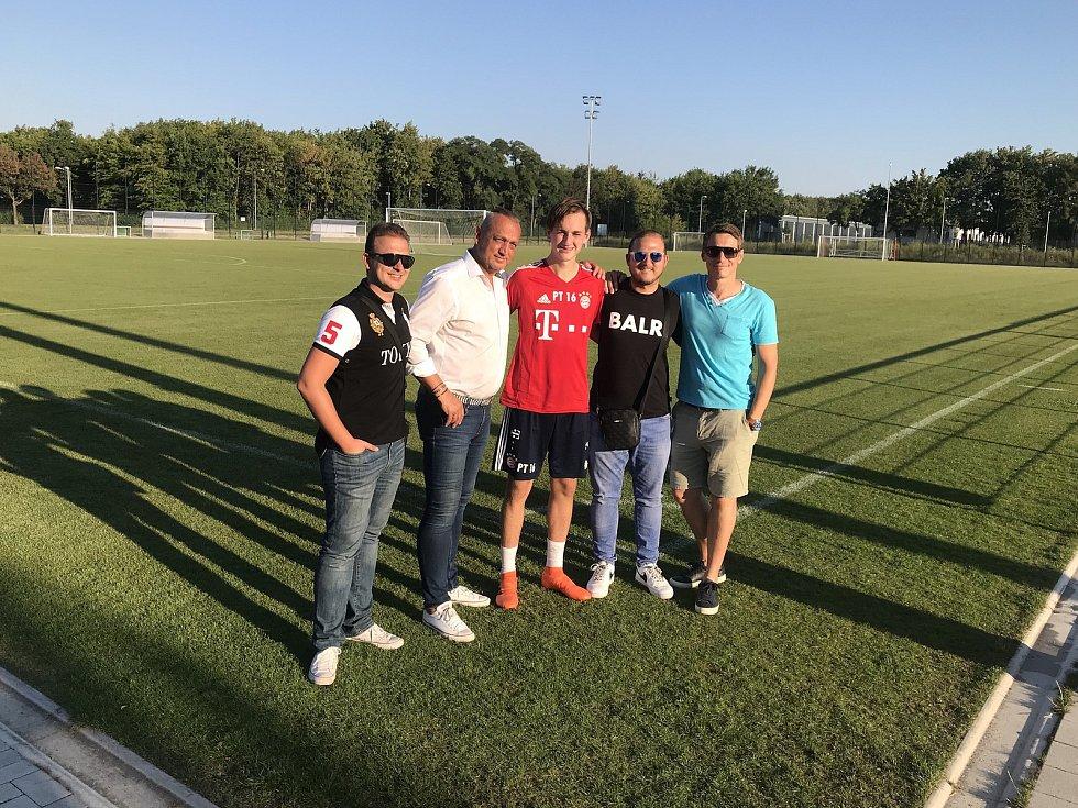 Patnáctiletý talent Slovácka Filip Vecheta v létě absolvoval stáž v Bayernu Mnichov, kde potkal i Miroslava Kloseho.