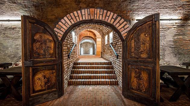 Sklepní labyrint v Mařaticích, který vznikl propojením tří historických měšťanských vinných sklepů Jahoda, Herman a SYNOT  (na snímku).