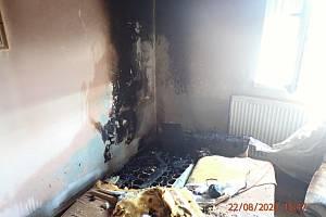 Požár v rodinném domě ve Vlčnově na Uherskohradišťsku; sobota 22. srpna 2020