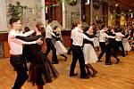 VŘÍŠI DIVŮ. Vhistorických prostorách Stojanova gymnázia Velehradě panovala příjemná plesová atmosféra.