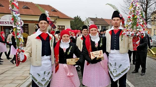 Stará tradice martinských hodů vBuchlovicích stále žije.