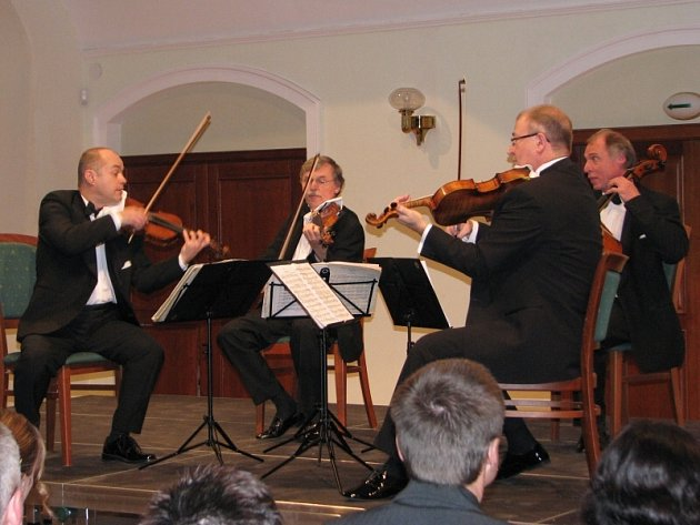 Koncert Janáčkova kvarteta s hostem Alfrédem Strejčkem.