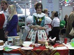 Jana Matějíčková přesvědčila porotu soutěže svou bezprostředností, nabídkou regionálních specialit a zvyků, i bubenickým uměním.