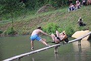 U straňaského rybníku Žabka bylo v sobotu odpoledne veselo.