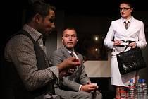 V současné španělské komedii s prvky psychothrilleru se divákům představí Martin Vrtáček, Kamil Pulec, David Vaculík a Pavlína Hejcmanová.