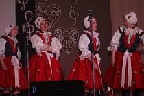 Ve vlčnovském Klubu sportu a kultury pokřtily Vlčnovské búdové umělkyně své první samostatné CD.