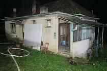 Tři jednotky hasičů vyrazily ve středu večer, krátce před půl devátou, k požáru rodinného domu v bojkovické místní části Krhov.