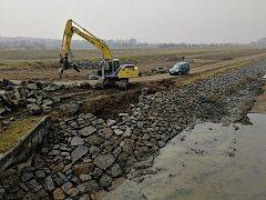 Komplikace s opravou Baťova kanálu trápí hradišťské rybáře