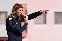 Trenérka Slovácka Jitka Klimková musela často zasahovat do hry svých fotbalistek.