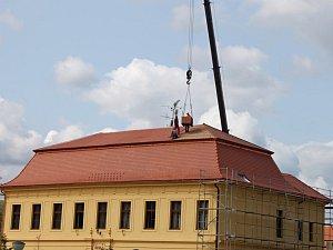 Střecha velehradské mateřské školy