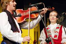 V hradišťském Klubu kultury se představila také cimbálová muzika Cifra.