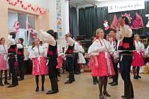 Desítky krojovaných zaplnily kulturní dům v Horním Němčí.